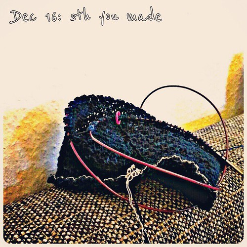 Dec 16: sth you made .. #knitting a cowl .. #fmsphotoaday #selfmade #handmadeholiday #handmade