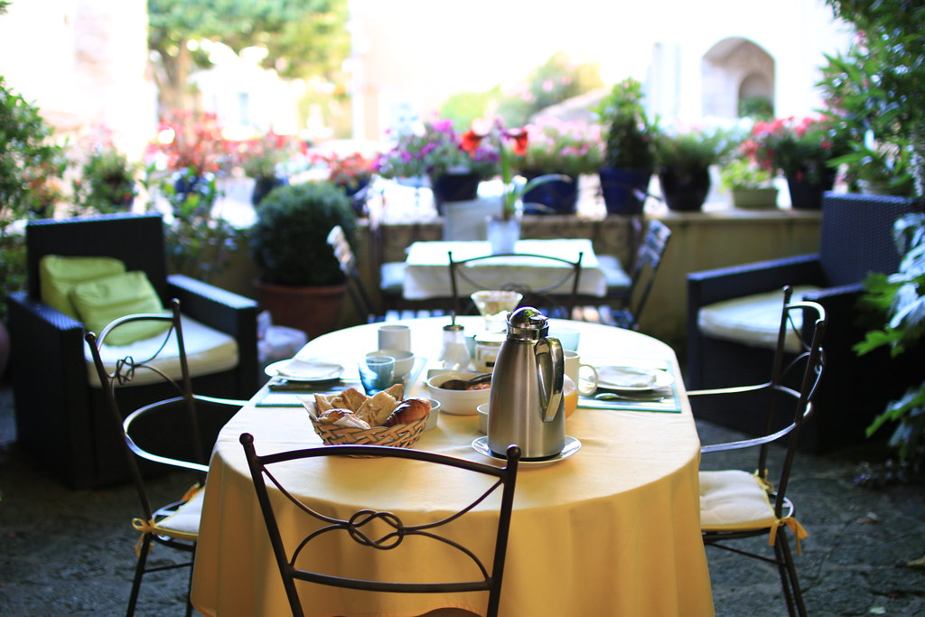 provence villedieu bed breakfast terrace 1