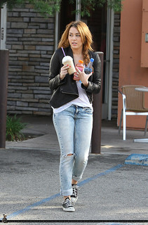 Miley Cyrus Converse Celebrity Style Women's Fashion