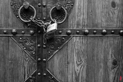 Locked door 门•锁