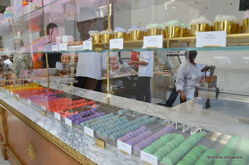 Bottega Louie - Macarons