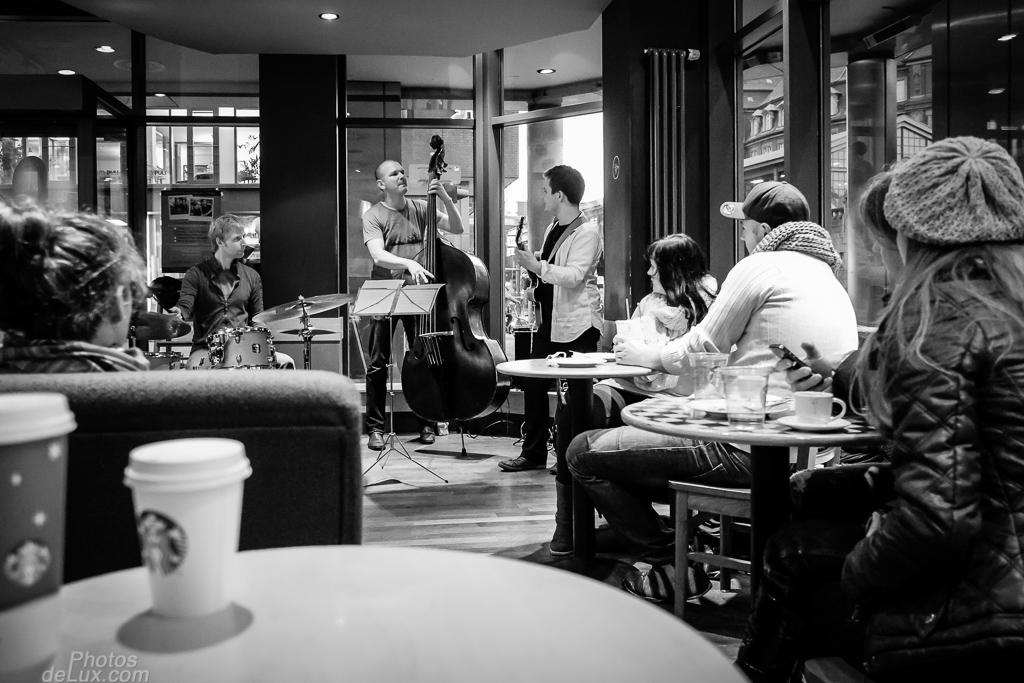 Live Jazz @ Starbucks Rödingsmarkt - Fuji X-Pro 1