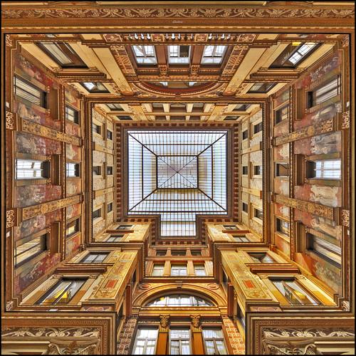 windows rome roma architecture square liberty gallery pov perspective courtyard pointofview architettura hdr cortile prospettiva ghostbuster finestre geometrie galleriasciarra geometries quadrata noseup gigi49