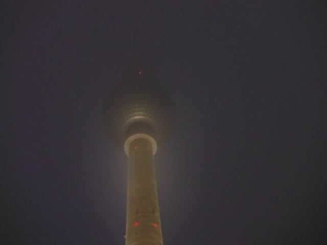 fernsehturm in mist