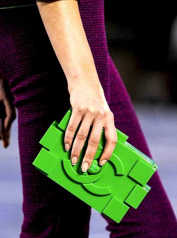 lego-clutch-chanel-01
