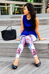 pattern(1.0), textile(1.0), footwear(1.0), clothing(1.0), abdomen(1.0), trousers(1.0), leggings(1.0), limb(1.0), leg(1.0), fashion(1.0), human body(1.0), tights(1.0),
