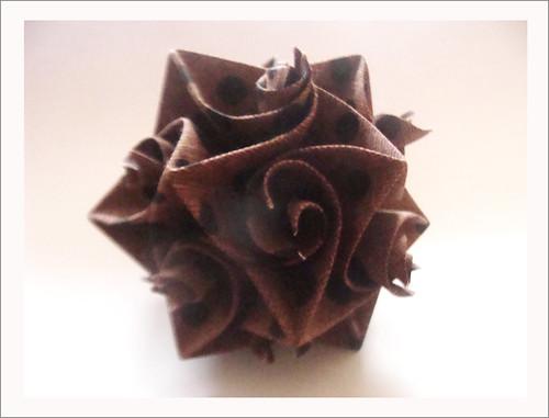 KUSUDAMA CURLER by Harui Origami