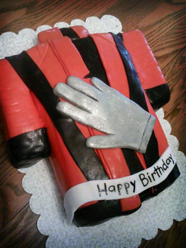 MJ cake by Little Sweeties Cupcakes