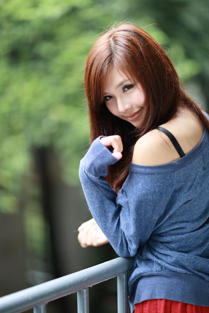 IMAGE: http://farm9.staticflickr.com/8480/8233485715_6551135199_b.jpg