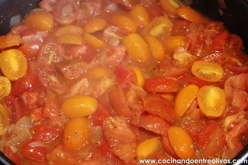 Compota de tomates con huevos escalfados (8)