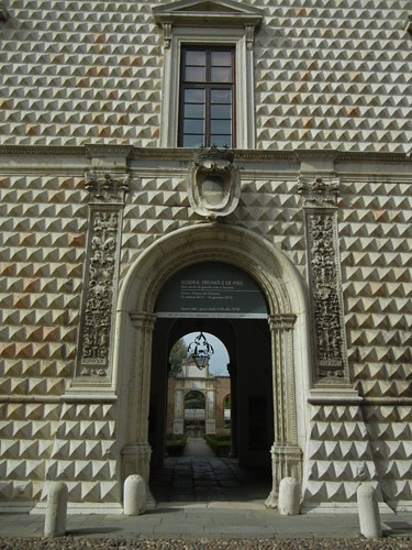 DSCN3909 _ Palazzo dei Diamanti, Ferrara, 17 October