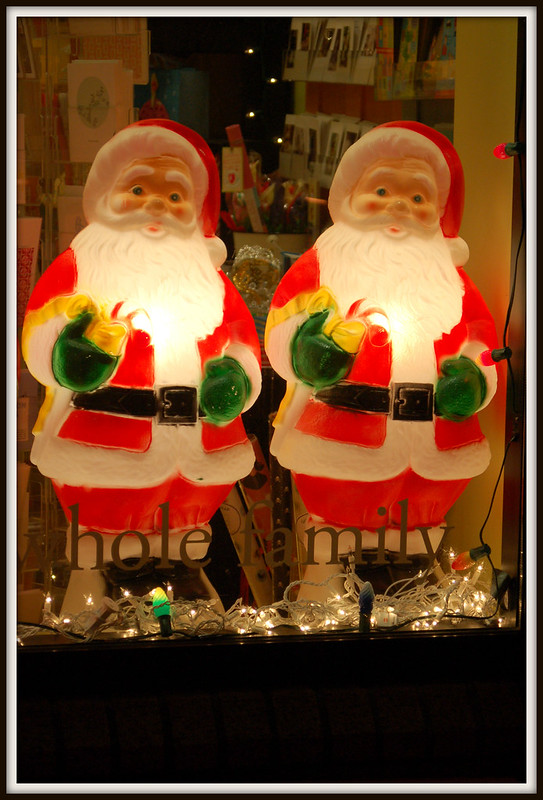 Christmas_Santas_lighted_framed