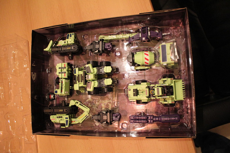 "Collection Nosfe ""Transformers & Hokuto No Ken & Cie"" - Page 2 8279903449_21a1c90e7e_c"