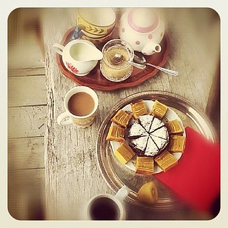 Having afternoon tea with our good friends. #Tuesday #tea #food #foodphoto