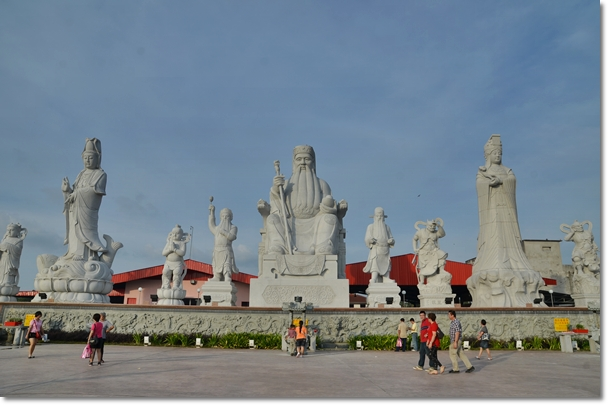 Large Statues Facing the Sea @ Tua Pek Gong Temple
