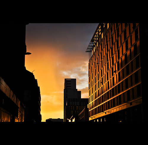 city sunset 50mm scotland nikon glasgow gimp nikkor lightroom 50mm18 nikkor50mm18 d5000 lightroom3 nikond5000