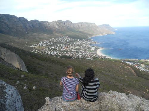 Emily and Gaya overlooking Camps Bay (South Africa)