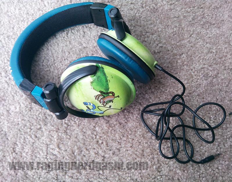 Cartoon Network Regular Show Bioworld over the ear headphones 008