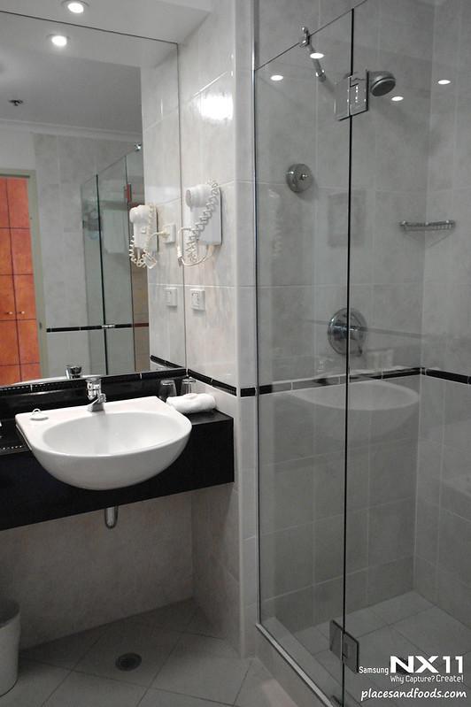 grace hotel sydney bathroom