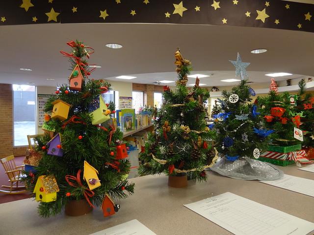 Chardon Library's Christmas Tree Silent Auction