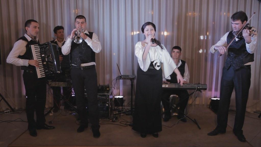 """Formația """"Unique Band"""" - muzică pentru nunți și petreceri"""