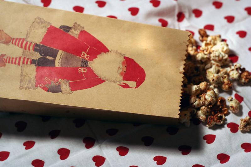 """türchen 8: weihnachts-popcorn für den """"sechs auf einen streich""""-marathon"""