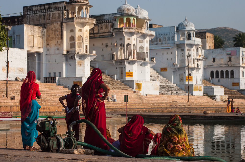 Hindu women near Pushkar Lake's ghats