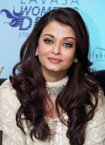 Aishwarya Rai - 2011 Pic 3