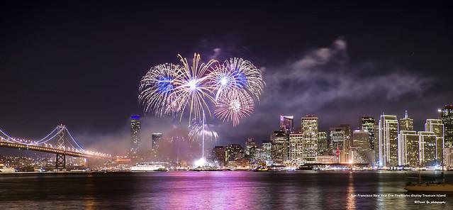 San Francisco New Year Eve Fire Works display Treasure Island