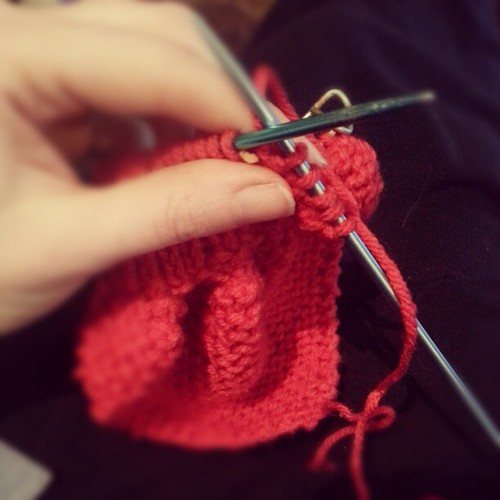 #knitting a little #vintage ascot scarf.