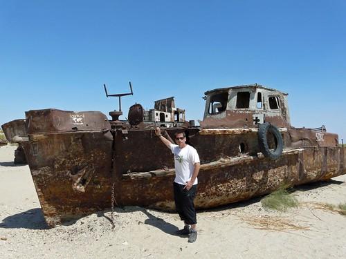 Fotografía en uno de los barcos varados del Mar de Aral