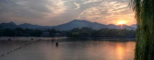 china sunset sky cloud lake mountains water boats bank unescoworldheritagesite westlake willow hangzhou hdr xihu flickraward flickraward5 flickrawardgallery