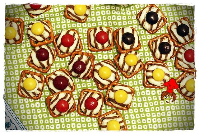紐扣巧克力扭結餅 M&M with pretzel 7