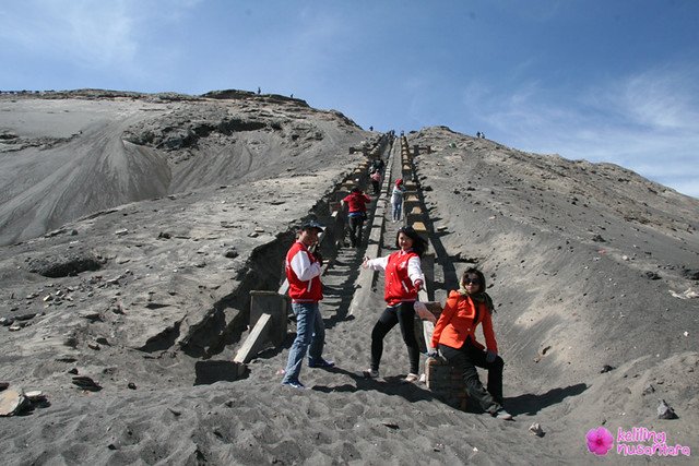8180967578 6855041c2a z Explore Mount Bromo and Madakaripura Waterfall Midnight
