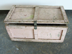 baggage(0.0), packaging and labeling(0.0), furniture(1.0), wood(1.0), chest(1.0), trunk(1.0), box(1.0),