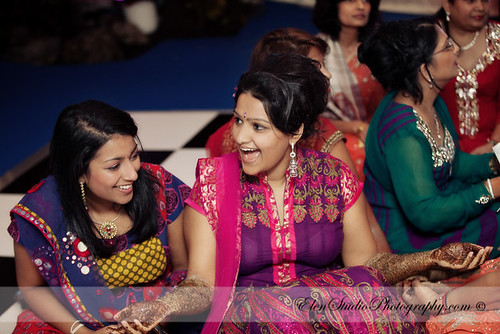 Indian-wedding-photographer-Henna-night-V&A-Elen-Studio-Photograhy-019