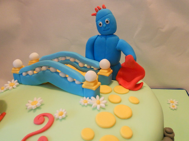 Upsy Daisy Cake Decoration : Iggle Piggle In the Night Garden Cake topper Decoration ...