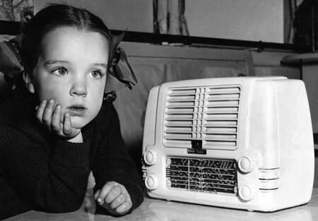 Little Girl Listens to White Radio