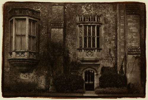 the residence of William Henry Fox Talbot albumen print/ 鶏卵紙
