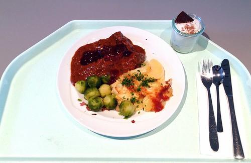 Wildschweingulasch mit Speckrosenkohl, Kartoffelgratin und Preiselbeeren / Boar goulash with bacon sprouts, potato gratin & cowberries