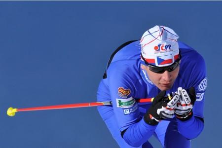Běžci startují ve švédském Klondiku. Co vytěží z rozsáhlého testu lyží a prášků?