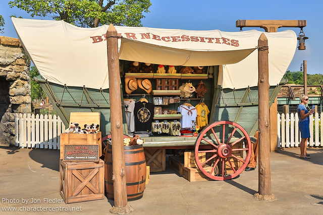 HKDL Oct 2012 - Wandering through Grizzly Gulch