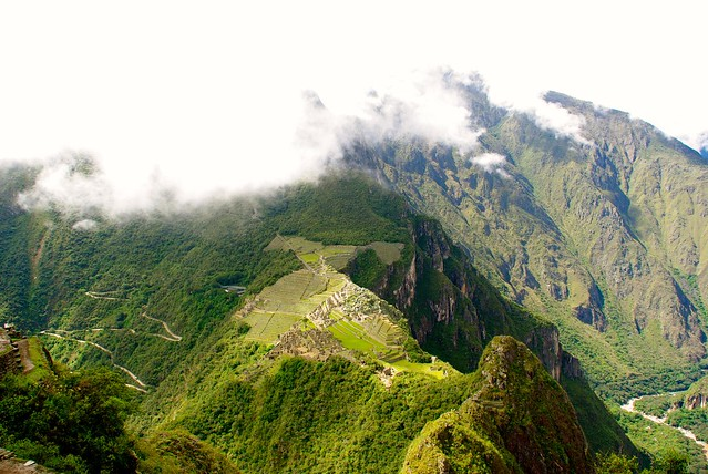 hiking to machu picchu in cusco