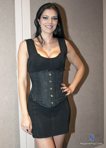 NYCC Adrianne Curry