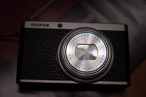 FUJIFILM-XF1-body-R0022953