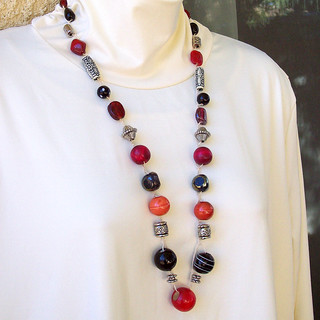 Necklace red black silver on cord 112412-003