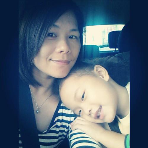 20121127 等姊姊。