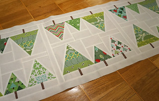 Christmas-tablerunner-blanktop