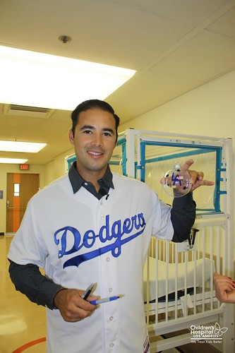 Andre Ethier Visits the Patients