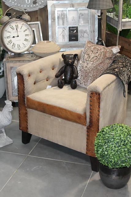 histoire de deco d coration luminaires meubles cadeaux 98 avenue georges pompidou. Black Bedroom Furniture Sets. Home Design Ideas